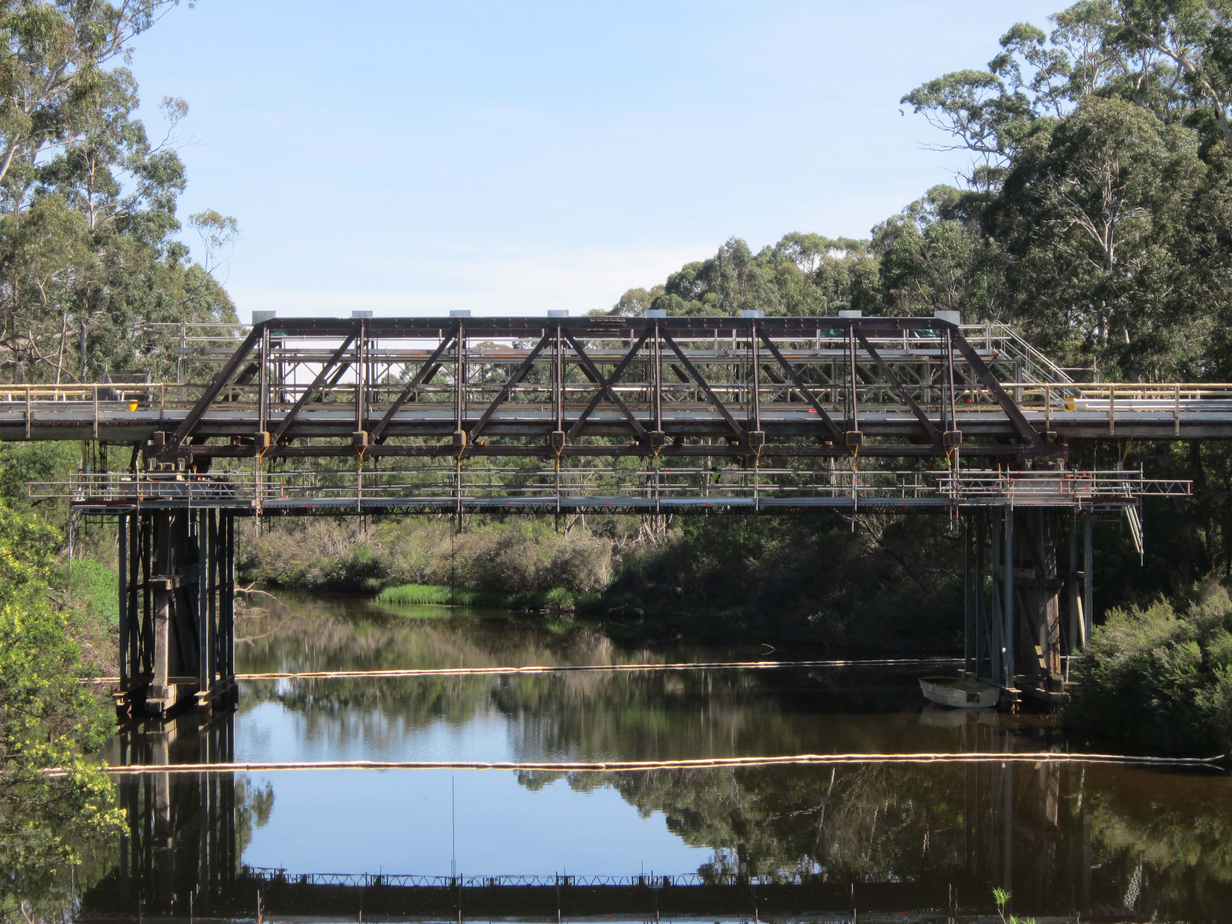 suspended-scaffold-bridge-canberra
