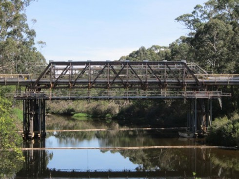 suspended-scaffold-bridge-canberra-1-630x473