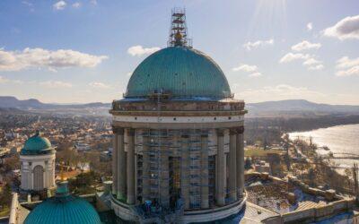 Nem mindennapi állványszerkezet segíti az Esztergomi Bazilika rekonstrukcióját